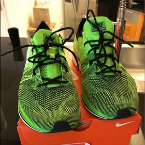 Nike flyknit trainer 10 electric green